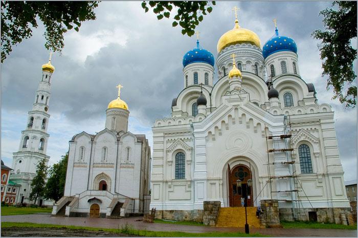 Николо-Угрешский монастырь в Дзержинском. Фото.