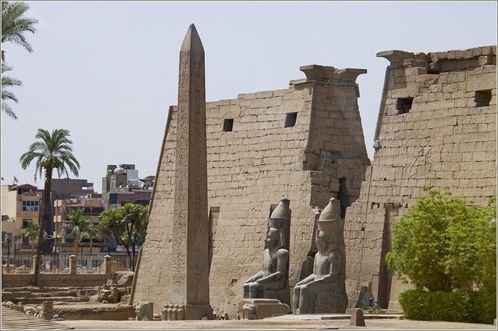 Луксор. Река Нил и Луксорский храм.