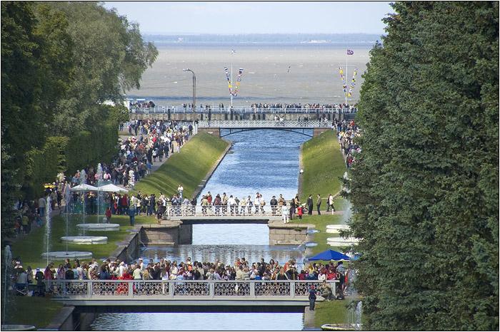 Петергоф. Петродворец. Канал на Финский залив.