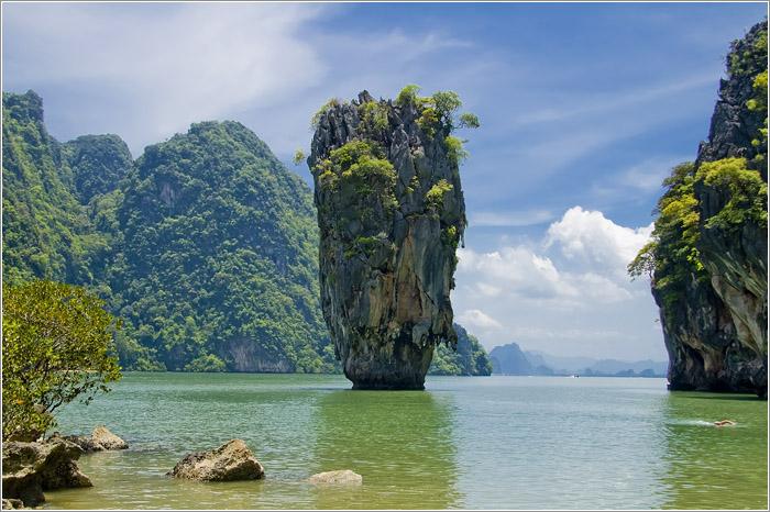 Тайланд. национальный парк Пханг-Нга. Острова. Остров Джеймса Бонда.