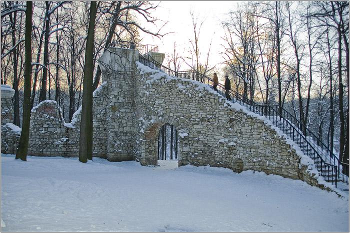 Башня руина в Царицыно.
